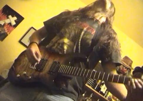 vidadesoltero_cap2_carma_guitarra