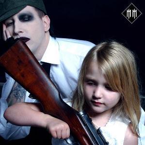 Marilyn_Manson_armas